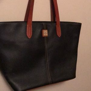 Authentic Dooney and Bourke Black Leather Purse